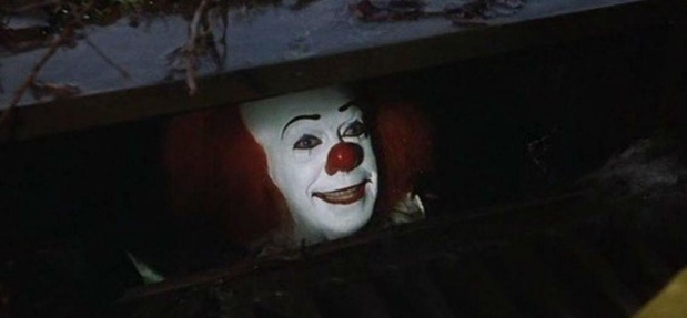 Superheroes, Movies & Superhero Movies – Episode 058 – Stephen King's IT [1990]